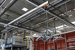 Cranes and rail system in the production hall